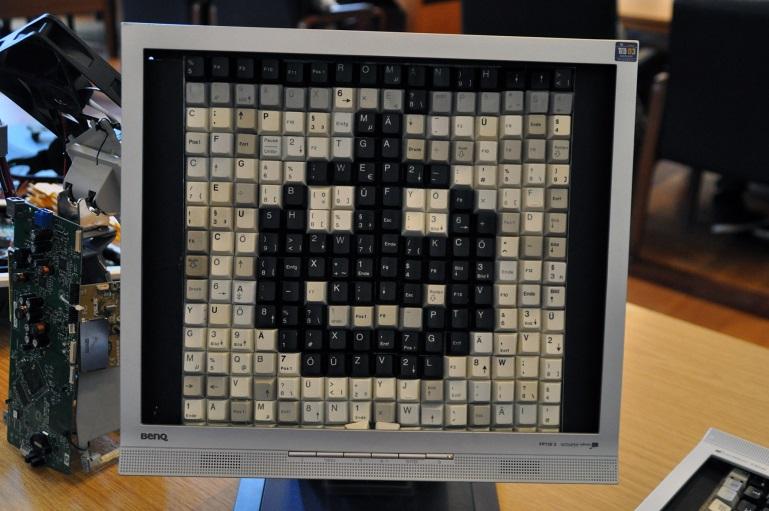 """1. Preis: """"Ein zweites Leben für alte Computer"""""""