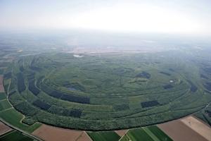 Grafik: Sophienhöhe aus der Luft betrachtet