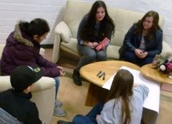 Arbeitsgruppe 4 Mädchen im Gespräch (Foto: Stadt Jülich)