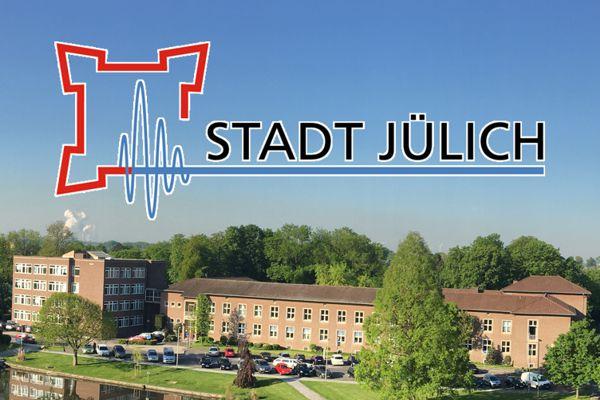 Neues Rathaus und Logo der Stadt Jülich
