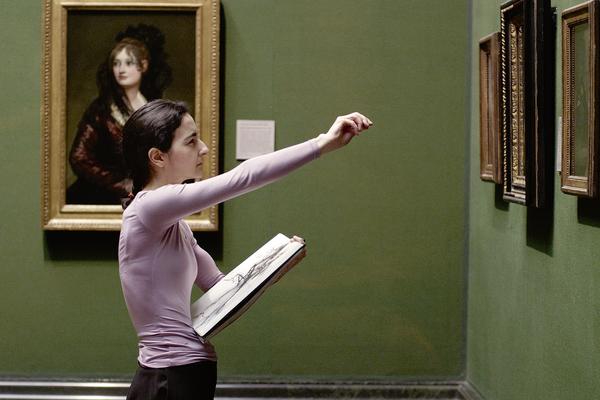 Bild: Eine Künstlerin malt ein Bild anhand einen Originals in der National Gallery.