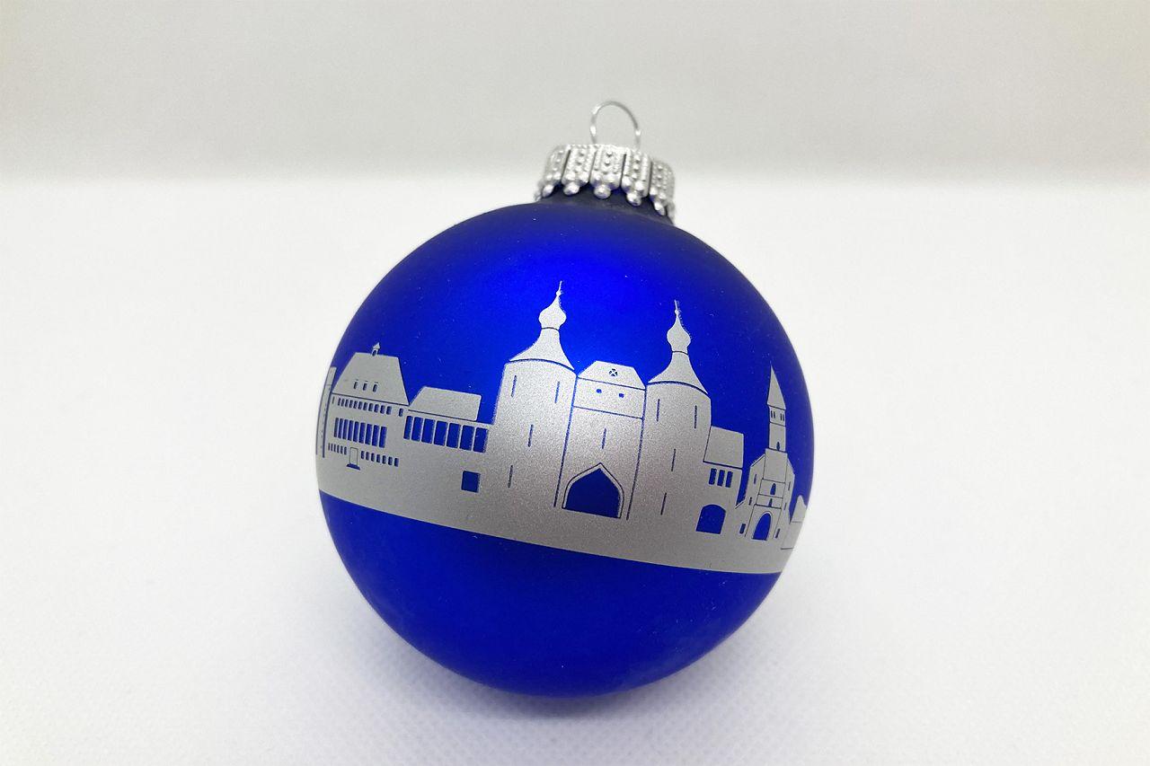Christbaumkugel blau mit silbener Skyline von Jülich