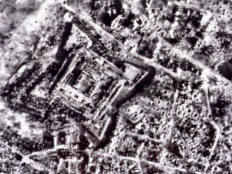 Luftaufnahme des zerstörten Jülichs