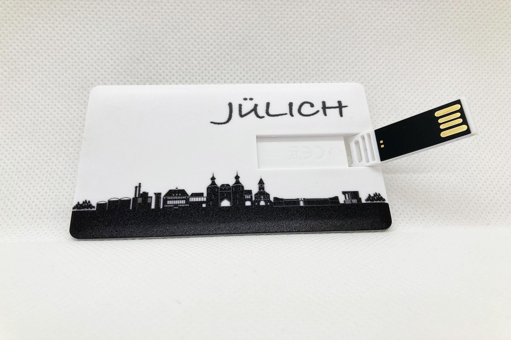 weiße USB-Card mit aufgdruckter schwarzer